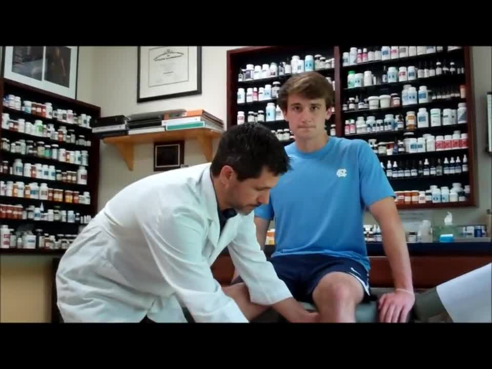 Knee Pain & Injuries: Natural Treatment & Prevention - Sock Doc